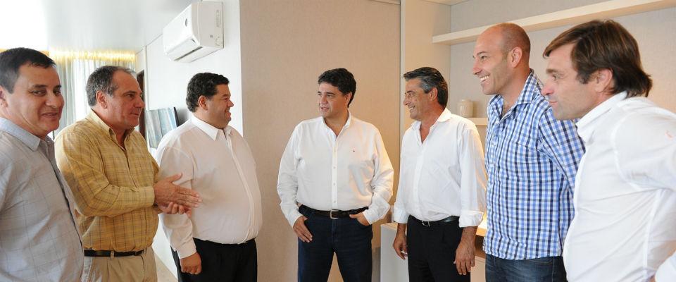 Nedela y el ministro de la Torre se reunieron con representantes de Media Caña para tratar temas que afectan a la empresa