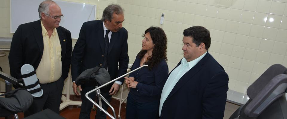 La ministra de Salud recorrió el remodelado quirófano y confirmó una inversión de 24 millones de pesos para el Hospital local