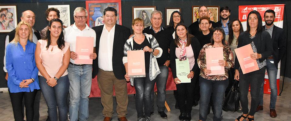El intendente Nedela participó de la entrega de 21 Actas de Bien de Familia a vecinos de distintos barrios