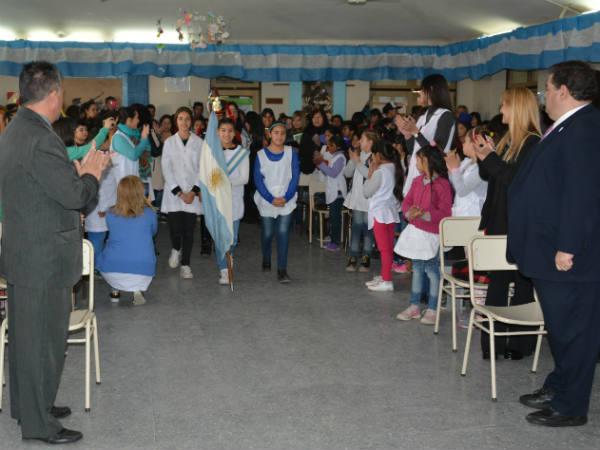 """En la Escuela Nº 22 """"Independencia del Perú"""" se realizó el acto oficial en homenaje al General San Martín"""