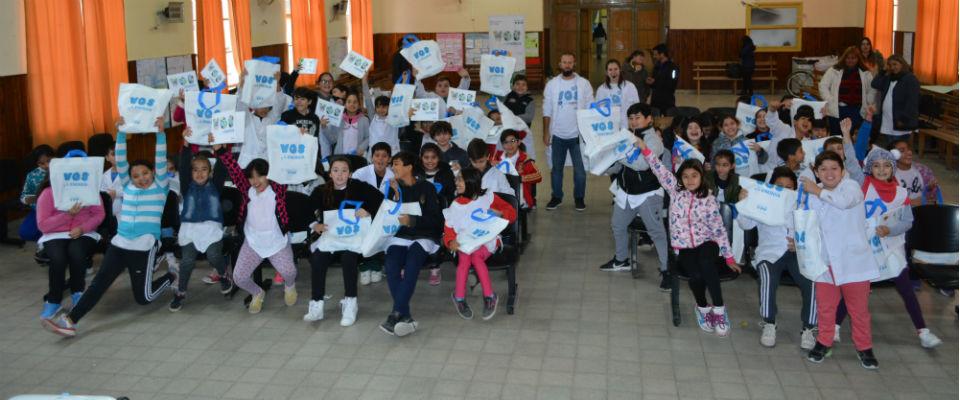 """La Fundación YPF recorrió escuelas de Berisso con el Proyecto """"Vos y la Energía"""""""