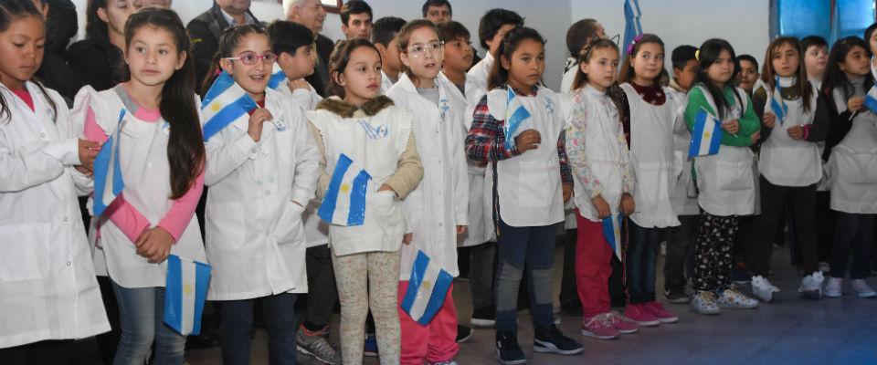 Nedela participó del Acto Escolar por el 198º aniversario del paso a la inmortalidad del General Manuel Belgrano