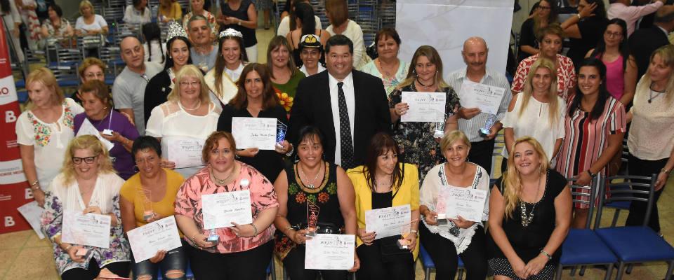 El Municipio realizó su reconocimiento especial a las Mujeres berissenses en su día